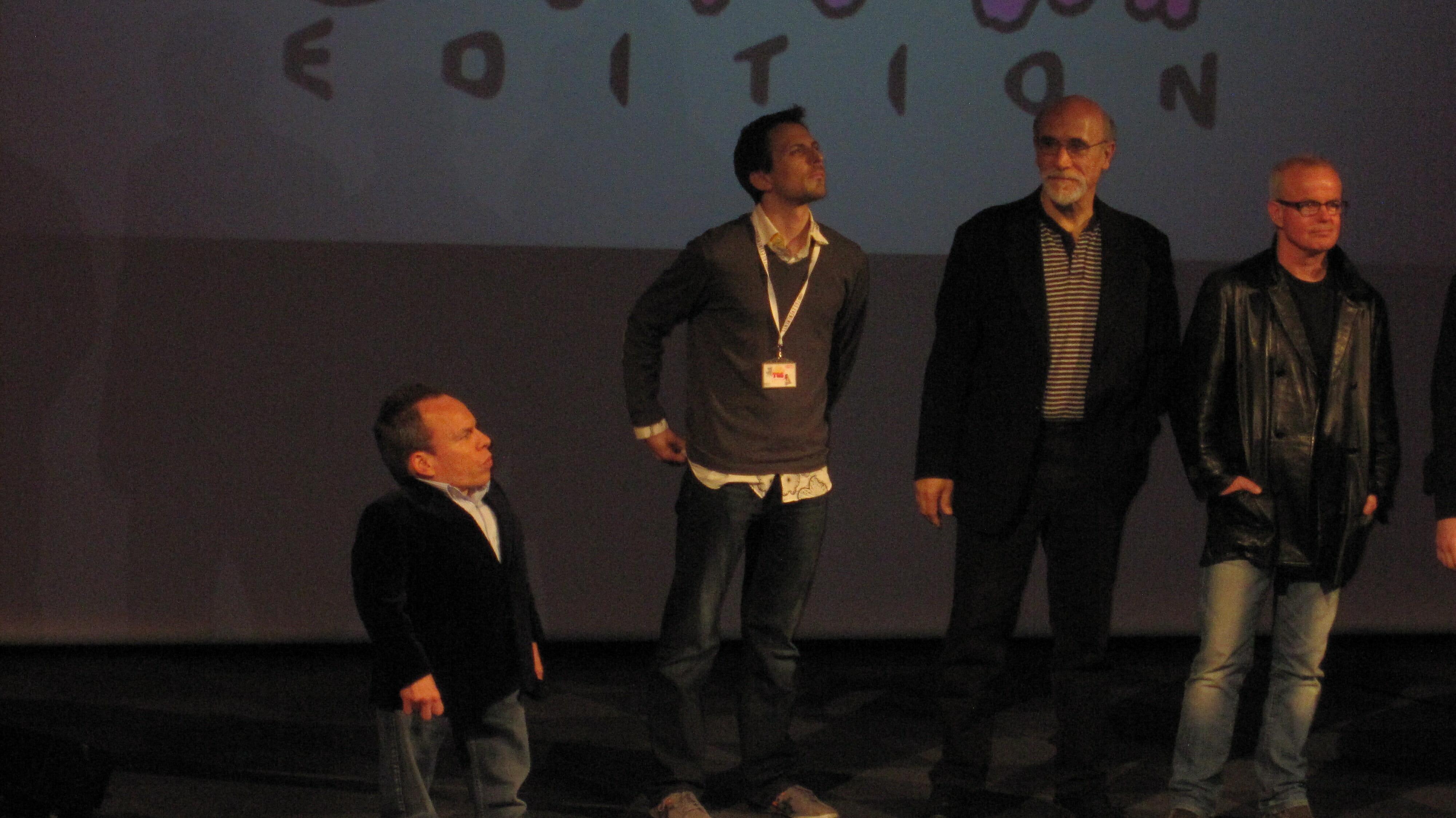 Warwick-Davis-Tony-Amendola et Gary Jones lors de l'inauguration