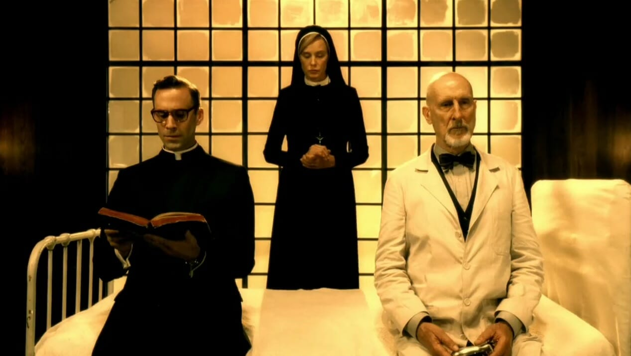 american-horror-story-asylum-Cromwell-Lange