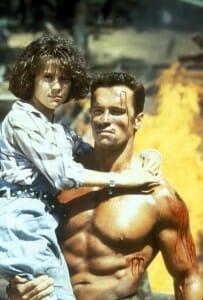 Commando-Alyssa-Milano-Schwarzenegger