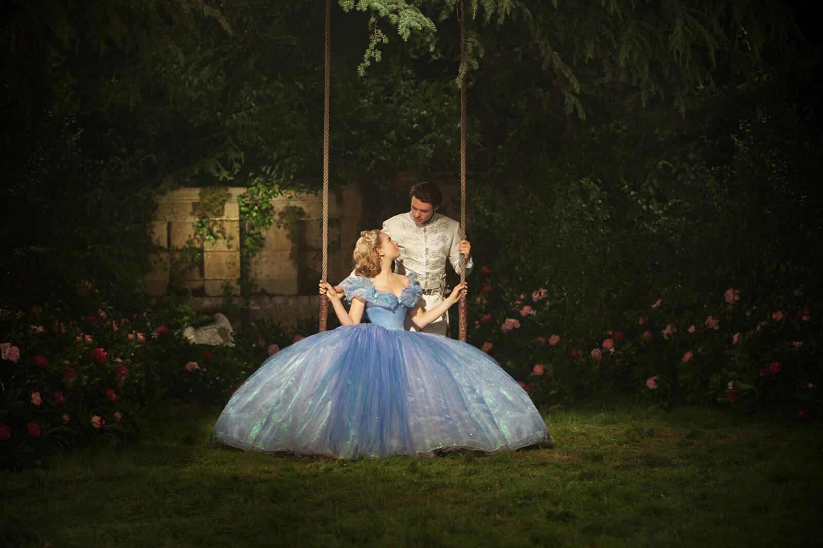 Cendrillon-Lily-James-Richard-Madden