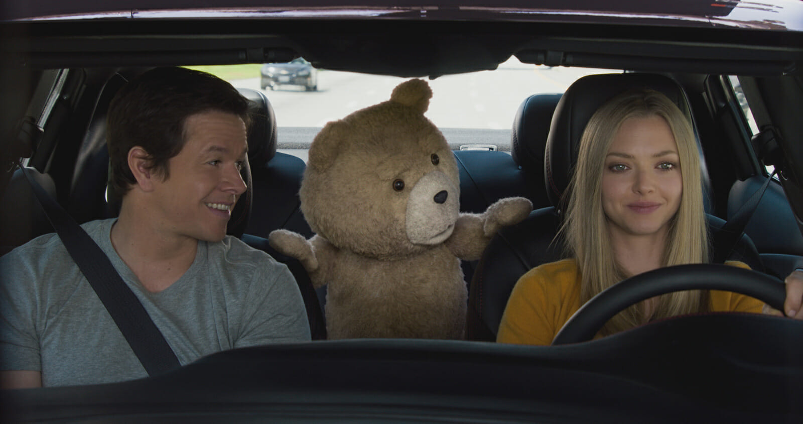 Ted2-Mark-Wahlberg-Amanda-Seyfried