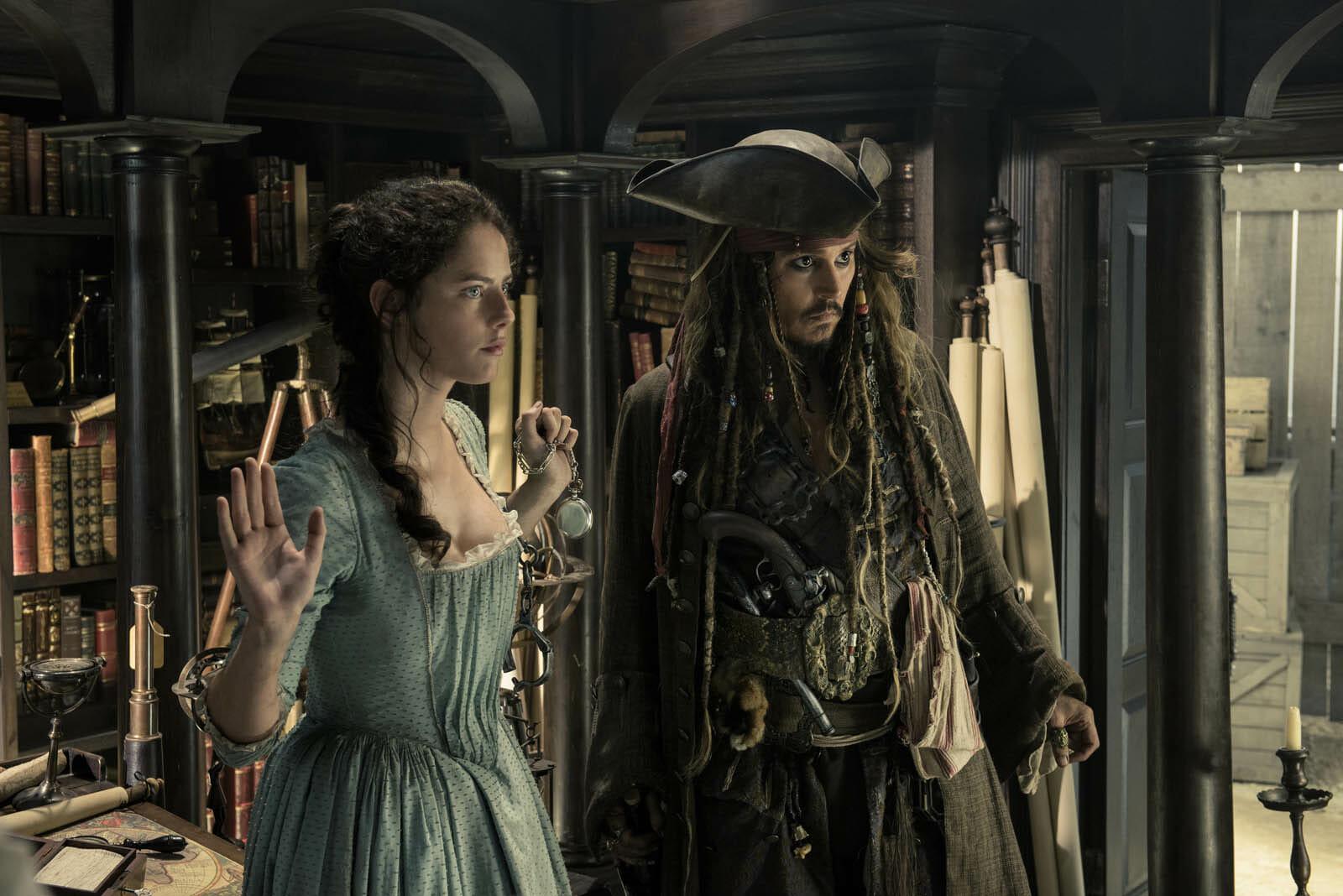 Pirates-des-caraibes-5-kaya-scodelario-Depp