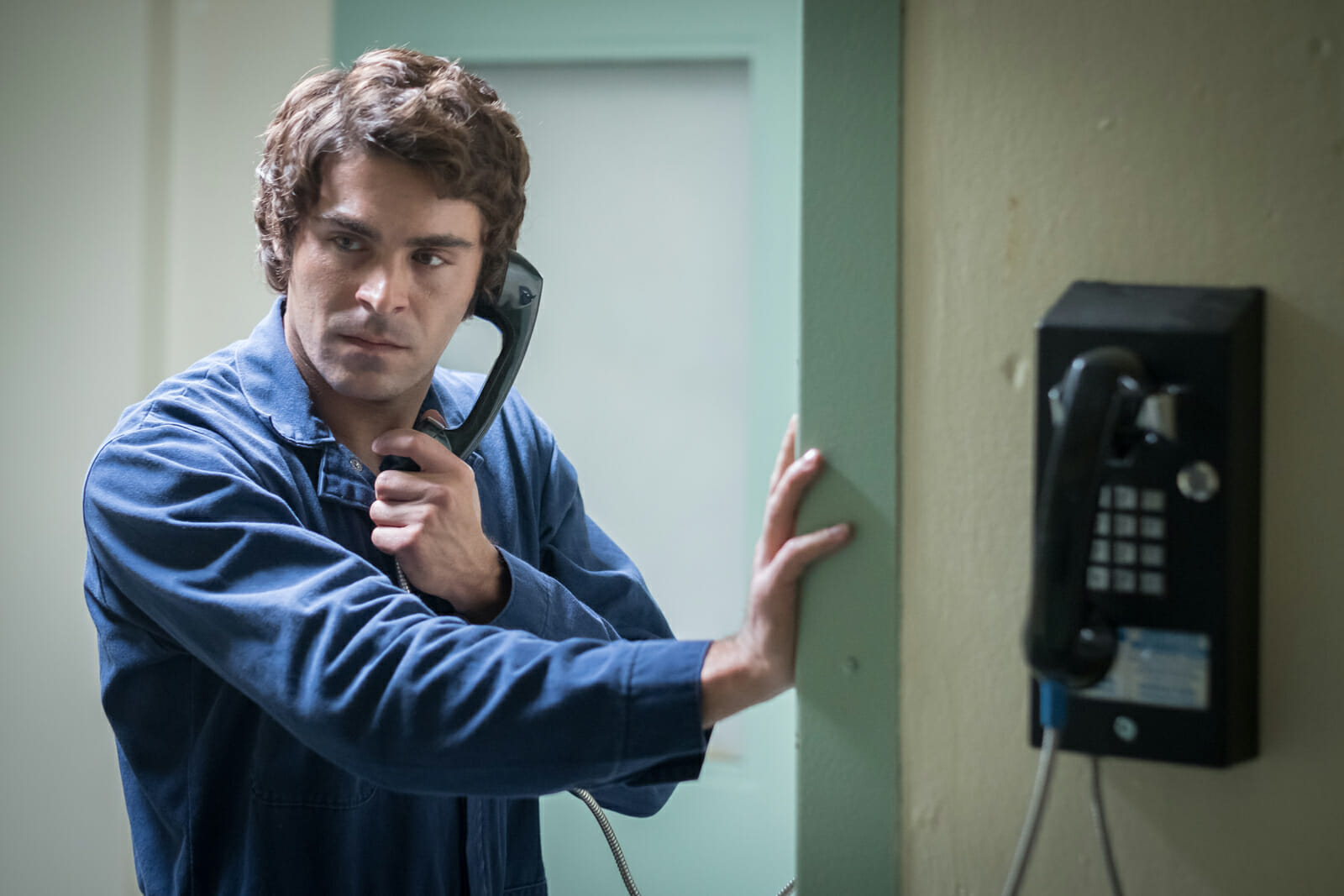 Extremely-Wicked-Shockingly-Evil-and-Vile-Zac-Efron